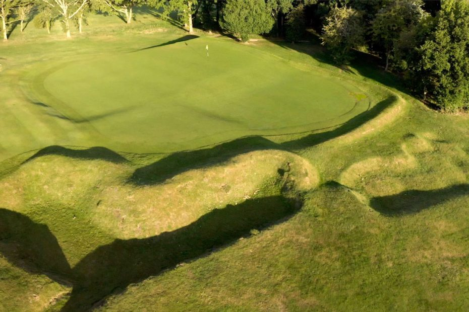 Huntercombe golf club 4th hole aerial